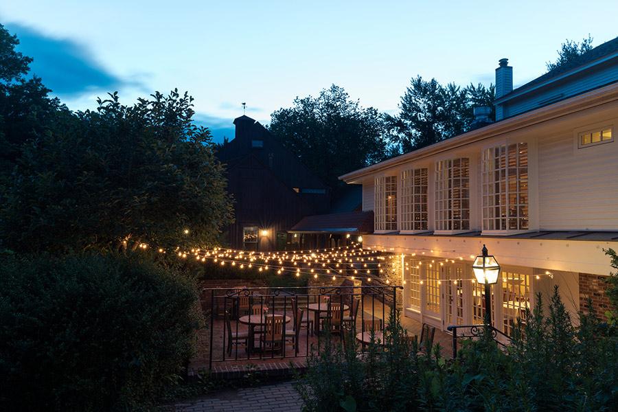 patio-at-night-gallery.jpg