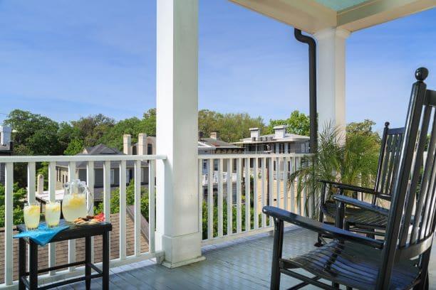 Inn-West-Liberty-Rooms-LafayetteSqaure-balcony-1S.jpg