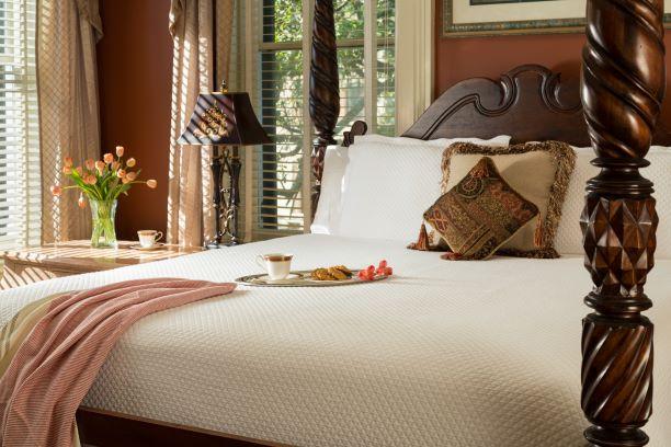 Inn-West-Liberty-Rooms-MontereySquare-2S.jpg