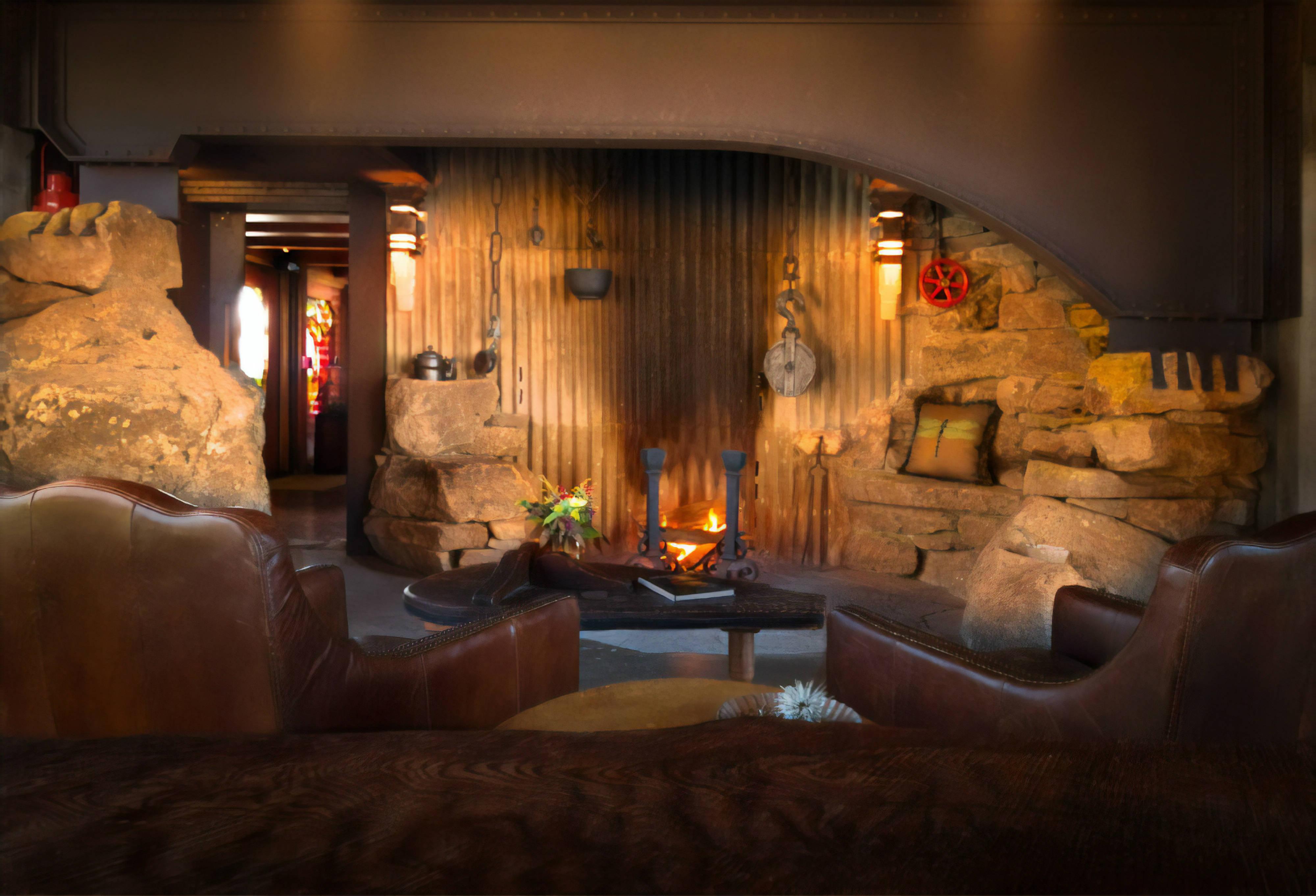 great-room The Inn at Newport Ranch