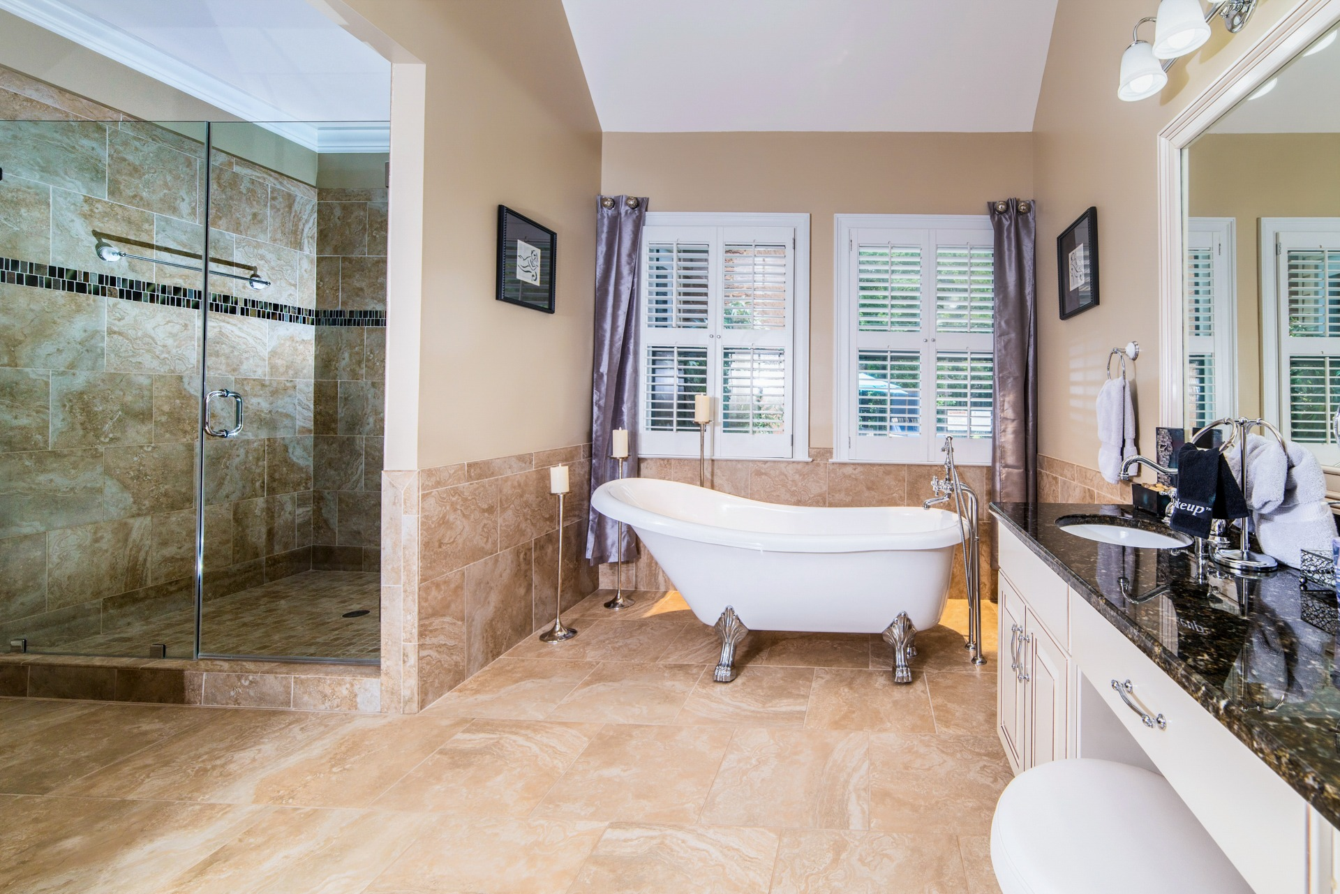 Pleasanton Courtyard Palo Alto Bathroom - Ingrid Moore-Barnes (1)