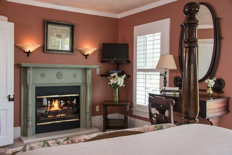Luxurious Rooms with Fireplaces