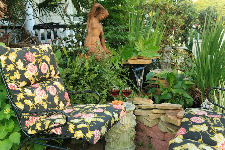 Cozy Garden Seating