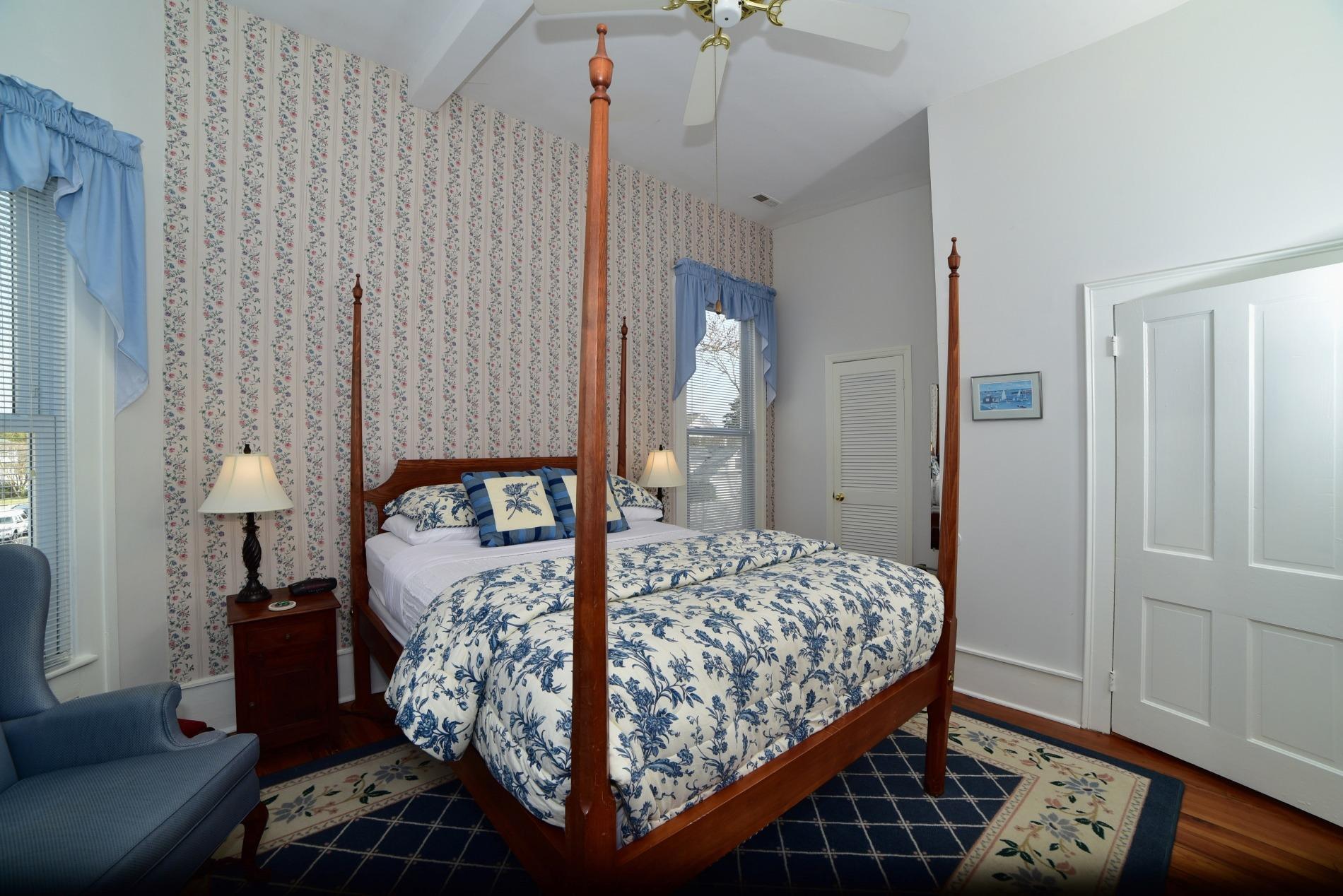 Blue Room 7.jpg