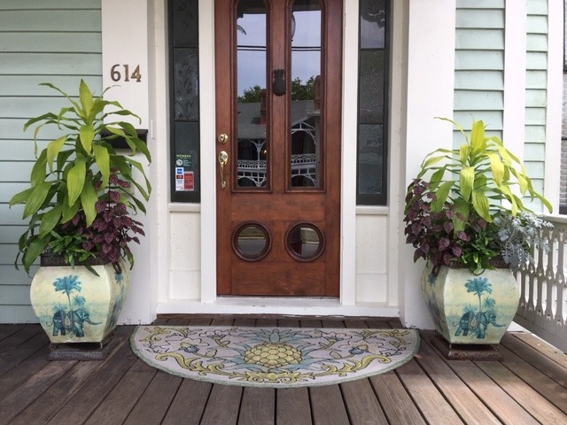 Front entry_2019 - Lisa West