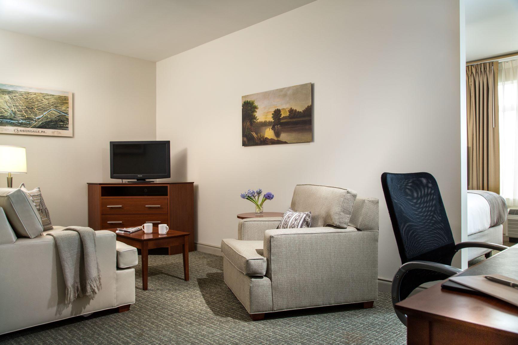 Hotel-Anthracite-Rooms-Queen-Suite-1 - Hotel Anthracite