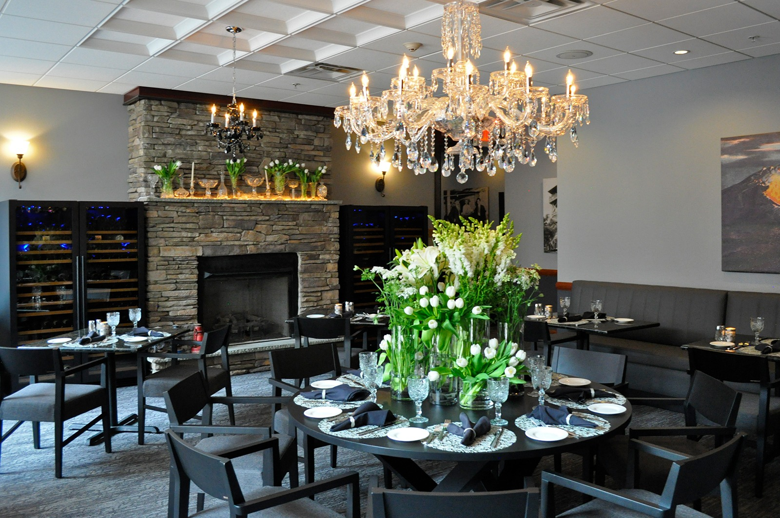 KolSteakhouse_Spring_DiningRoom - Hotel Anthracite