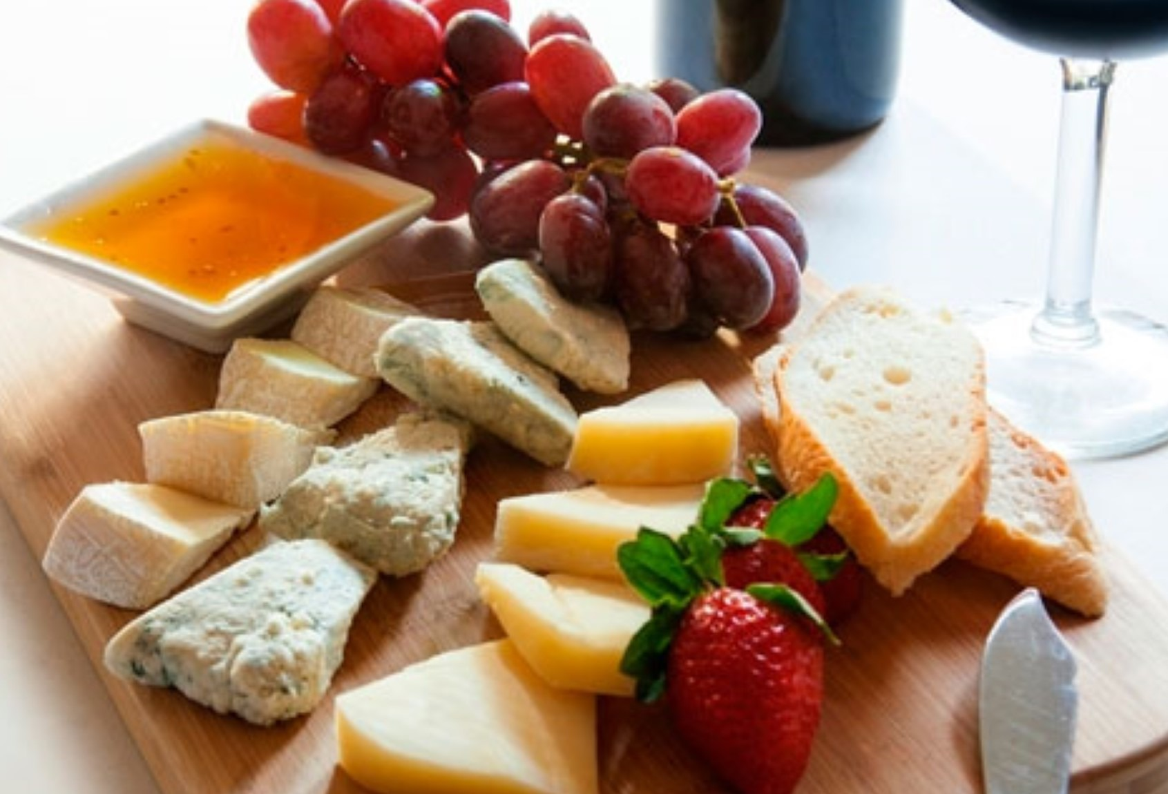 cheese plate with fruit 3