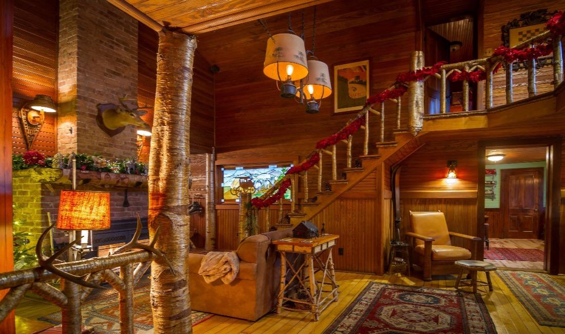 Stagecoach Inn Great Room