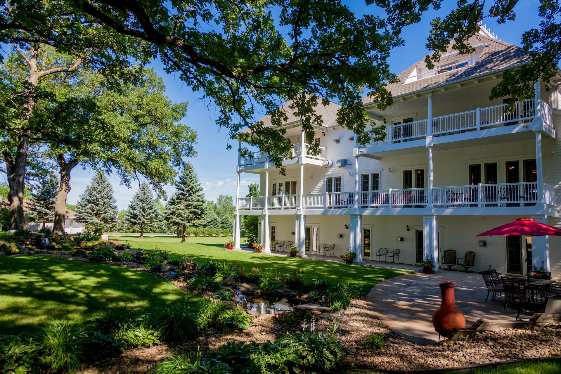 The Oakwood Inn - 7