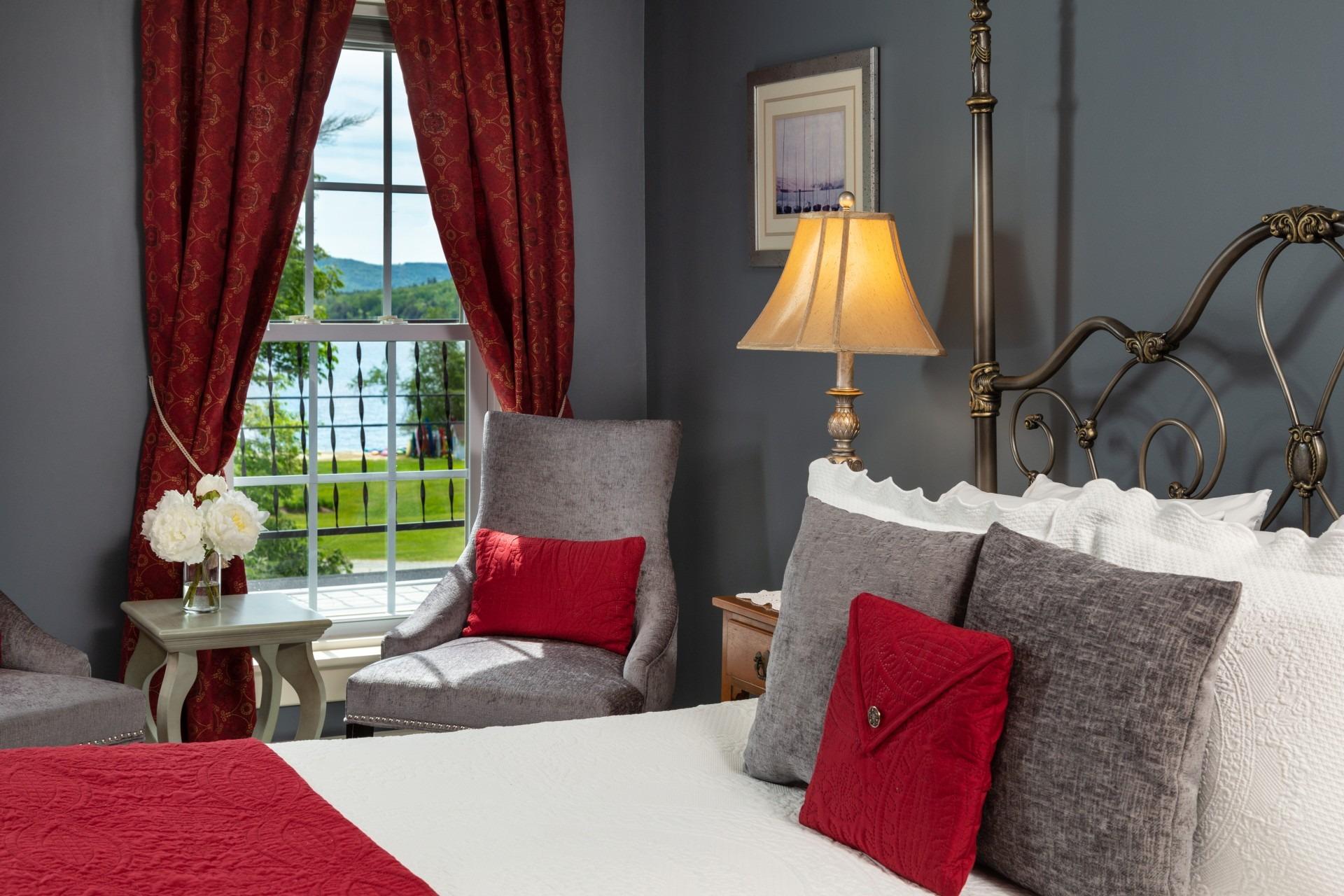 Classic Room #7 Lake View