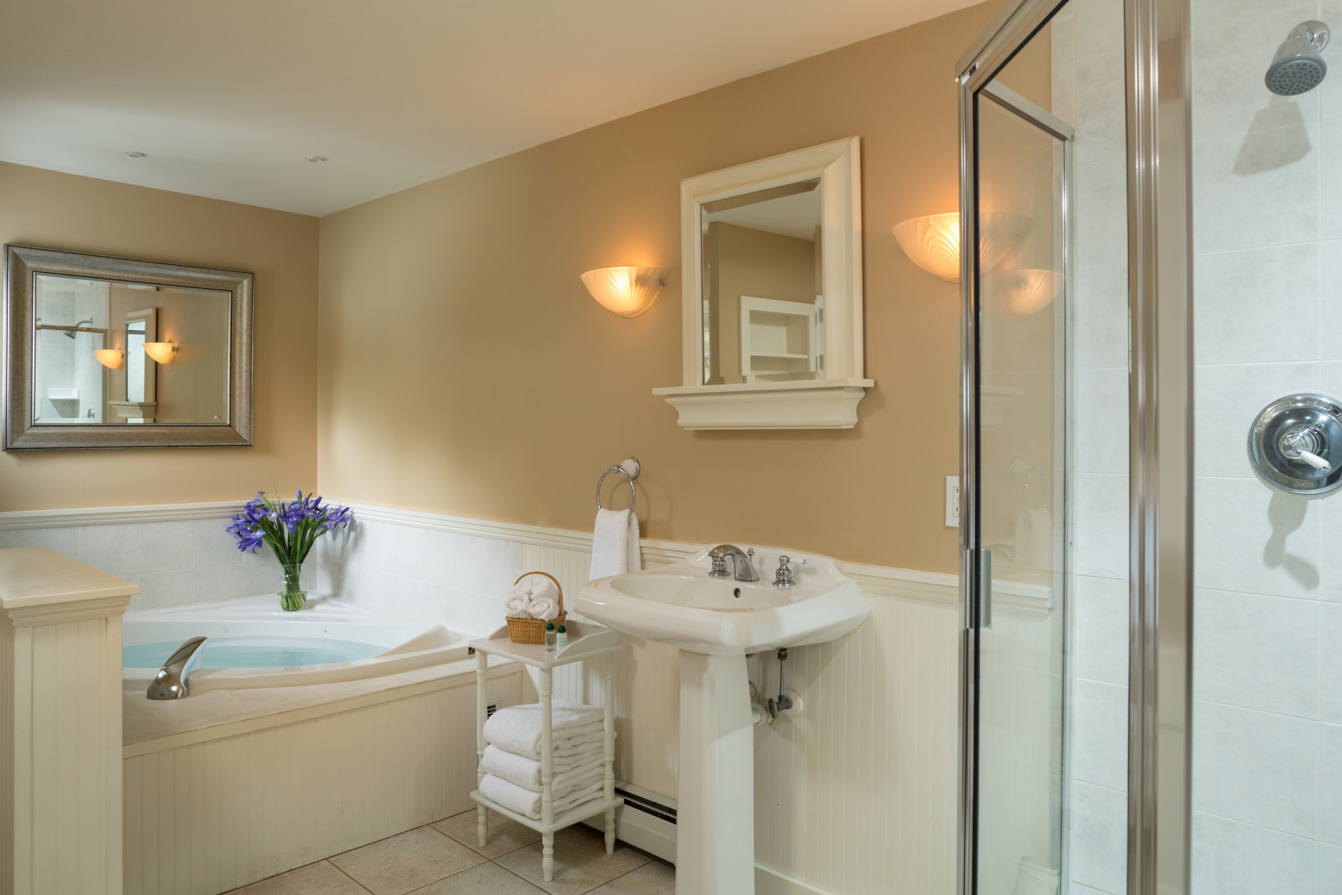 Suite #1 Luxury Bath