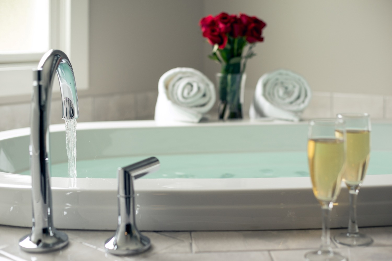 Hotel Saugatuck - Interiors - Bathroom Details - 2016 (3)