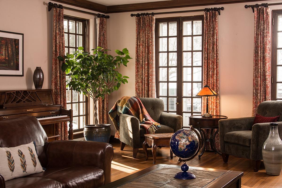 Living Room_Select Reg.jpg