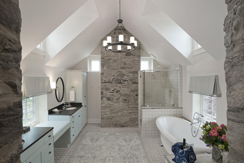 The Fox Den's Grand Bathroom