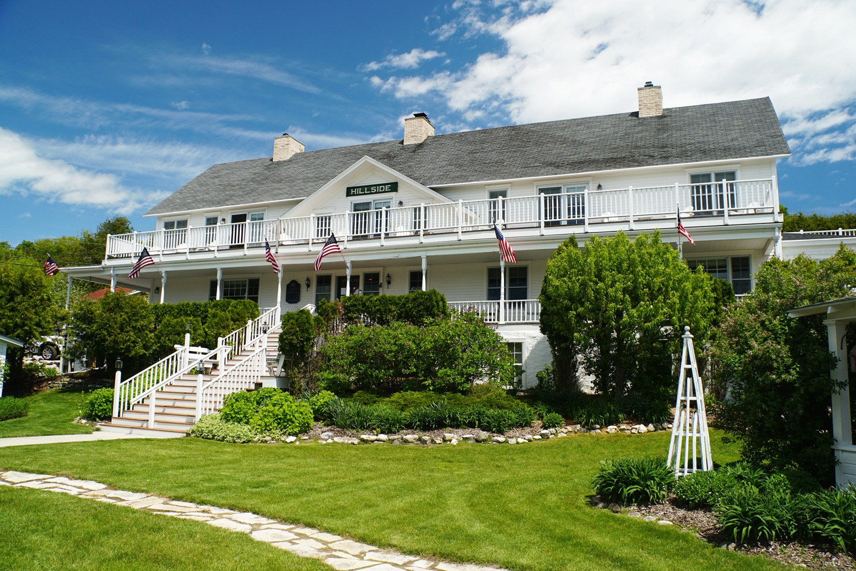 Hillside Waterfront Hotel - Front