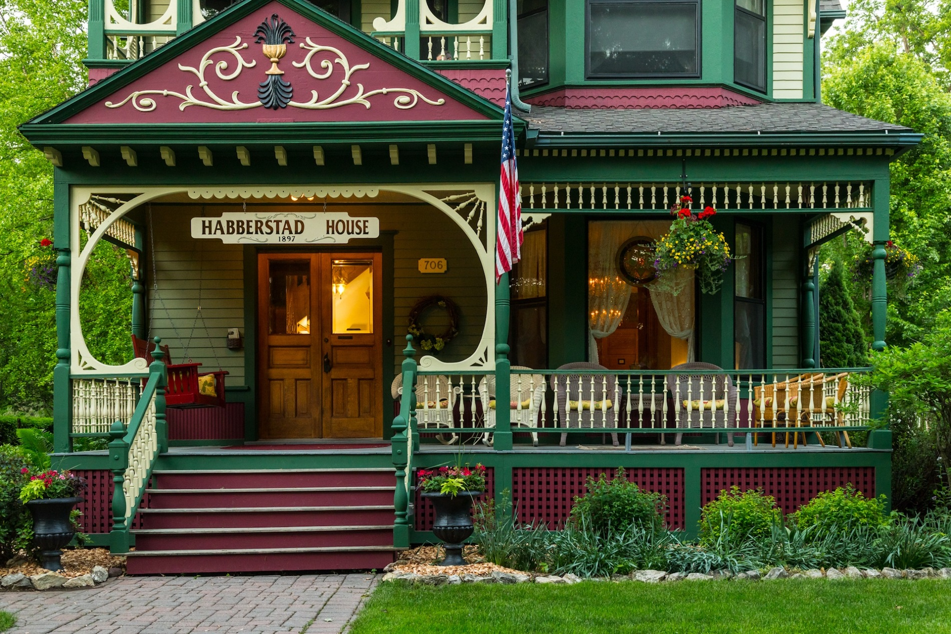 frontporch (2) - Habberstad House Bed and Breakfast (1) (1)