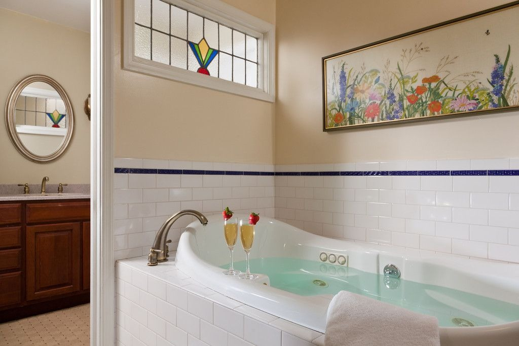 cornerstone-bathtub (1)