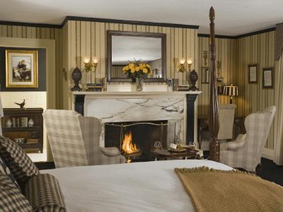 Manor on Golden Pond Guest Bedroom