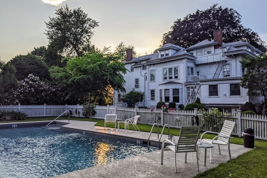 stanton-house-inn-outdoor-pool-greenwich-ct-bed-and-breakfast.jpg