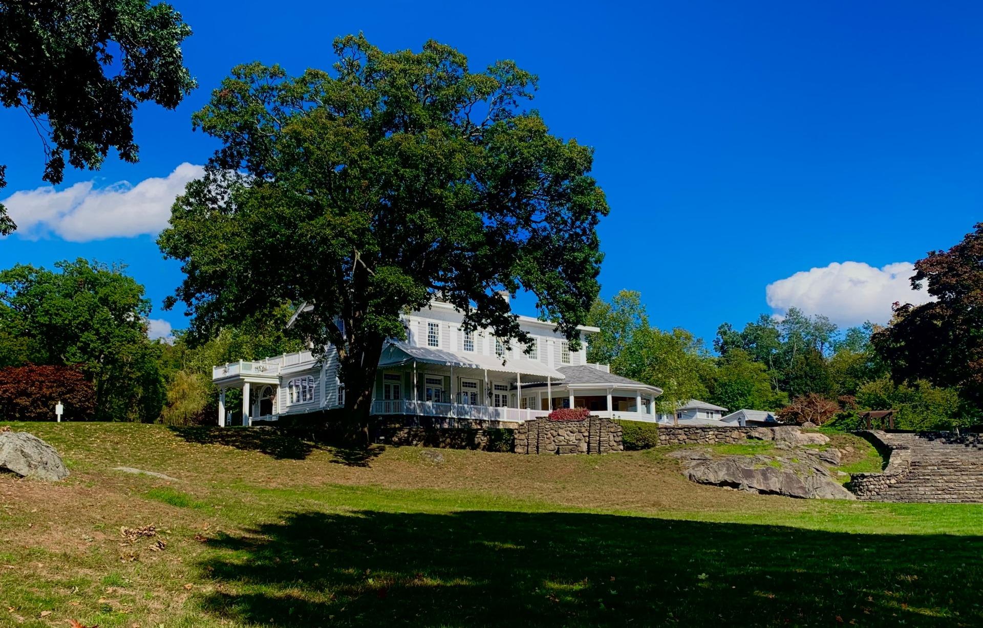 Oldstone Inn