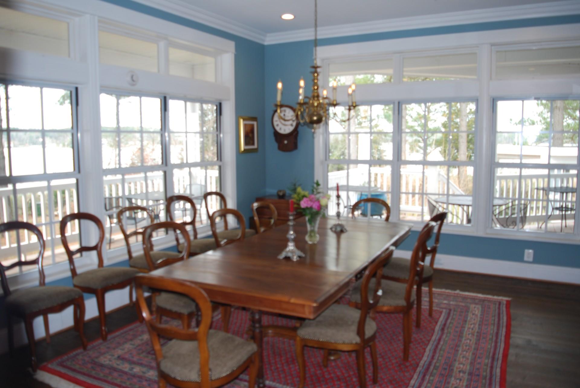 Swanendele-diningroom
