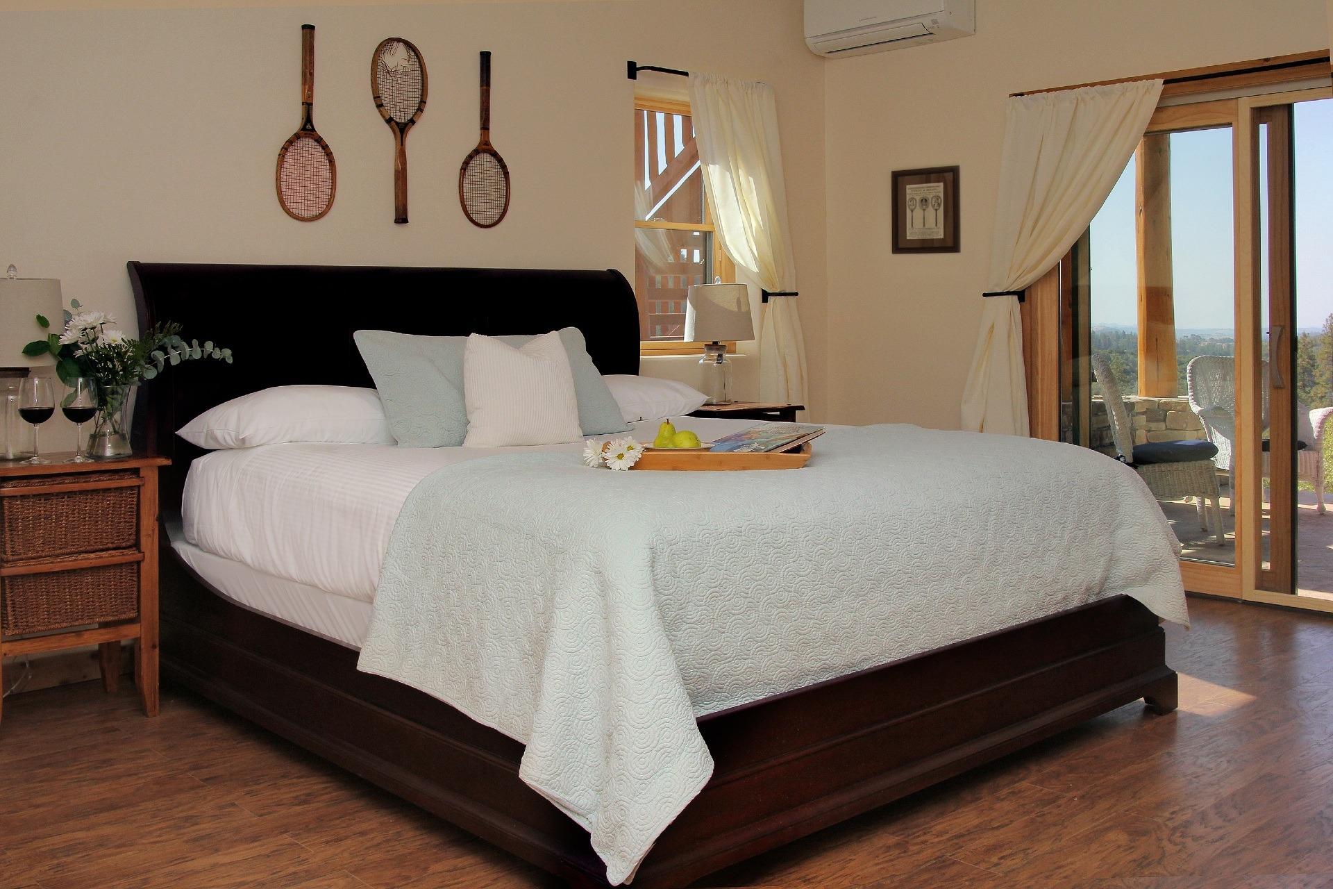 courtwood-inn-davisroom (1)