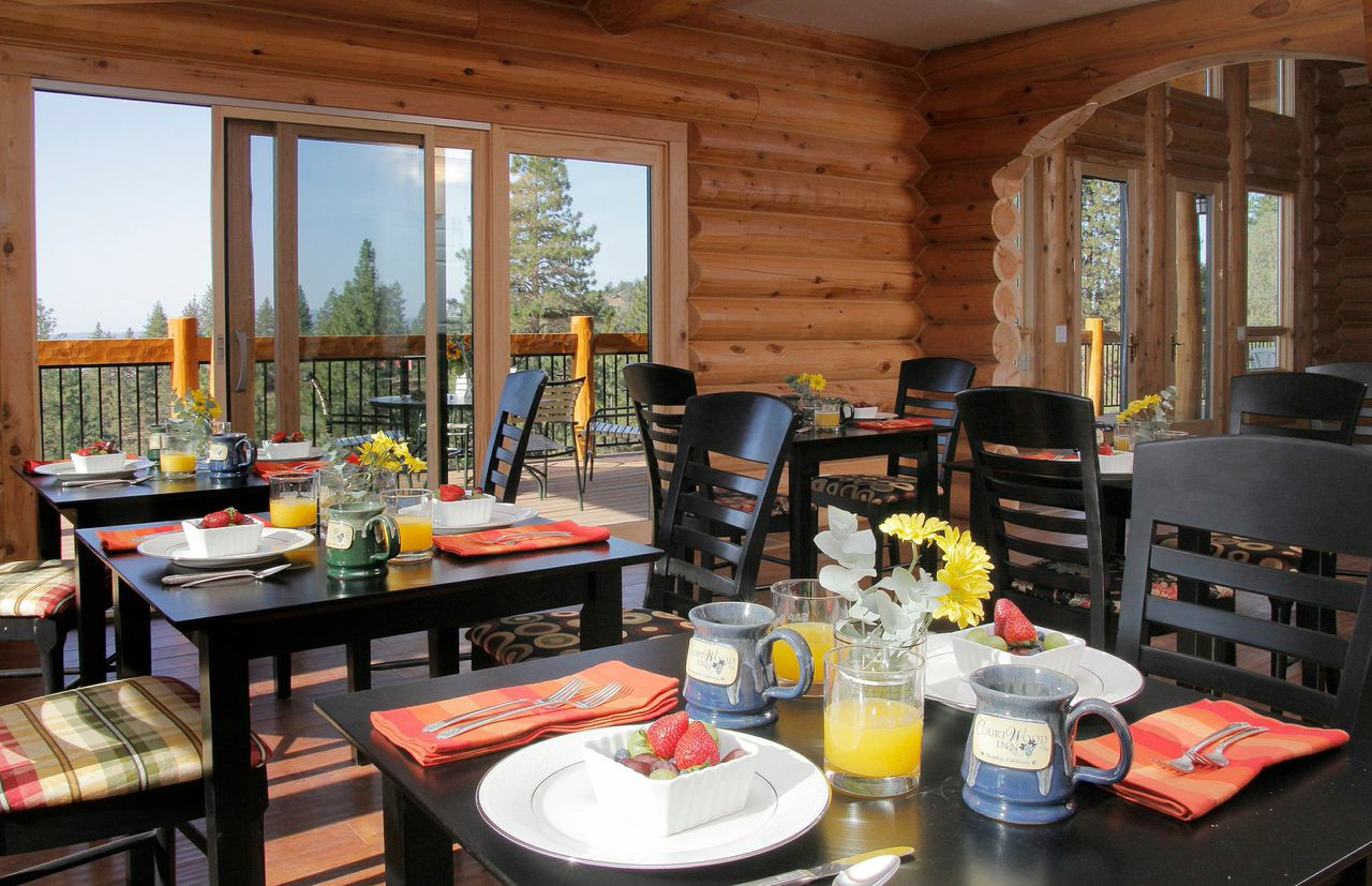 courtwood-inn-dining