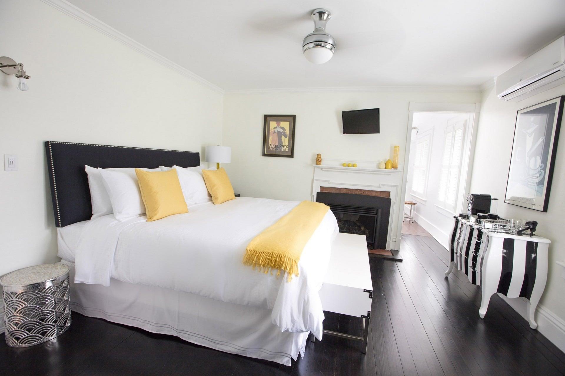 Nobnocket-Bedroom Room 2