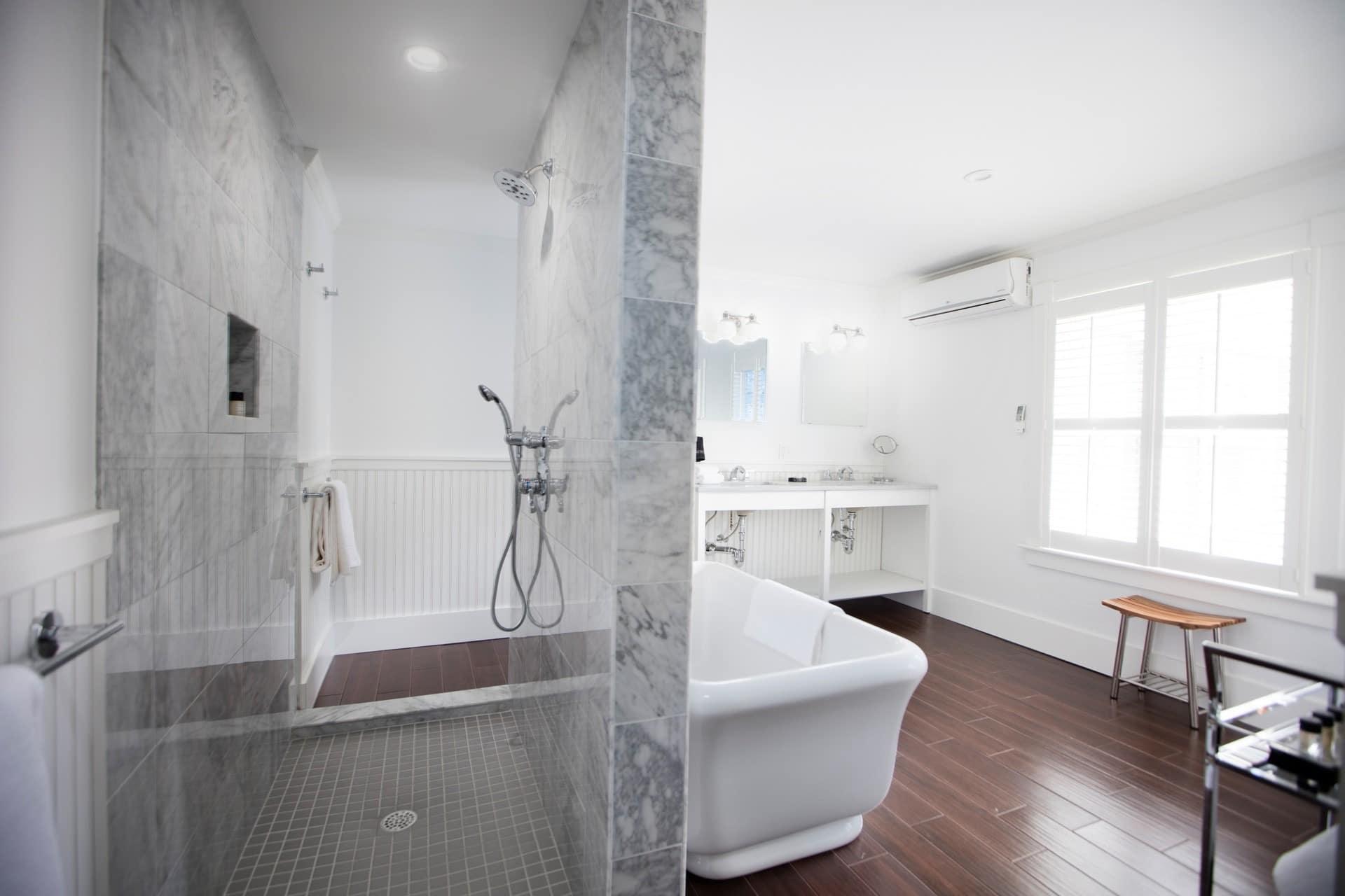 Nobnocket-room2-bath