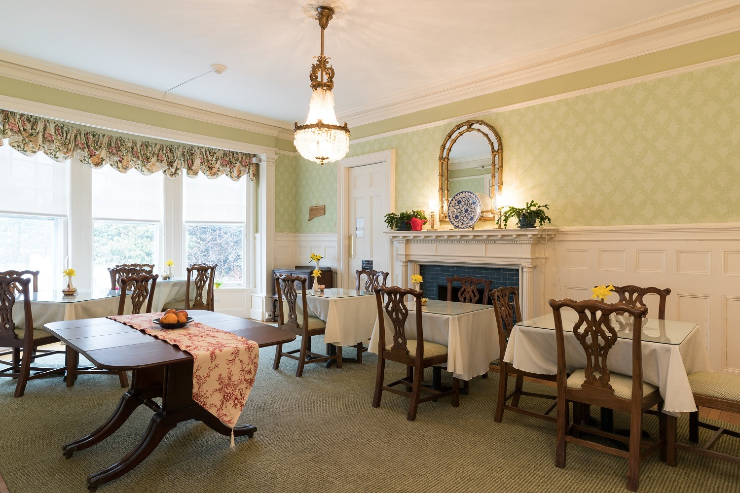 dining-room-greenwich-ct-bed-and-breakfast.jpg