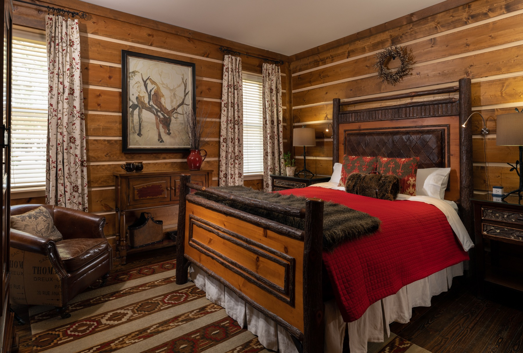 Guestrooms - Holly (1).jpg