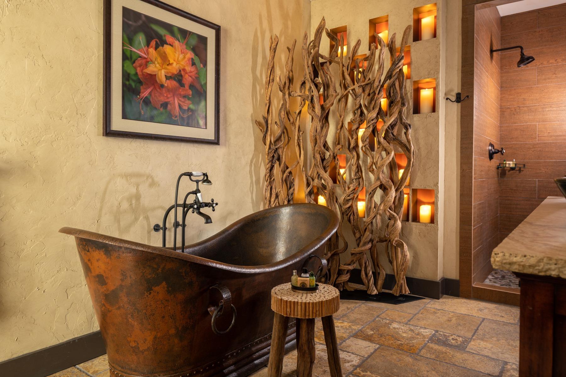 Guestrooms - Mountain Laurel (6).jpg