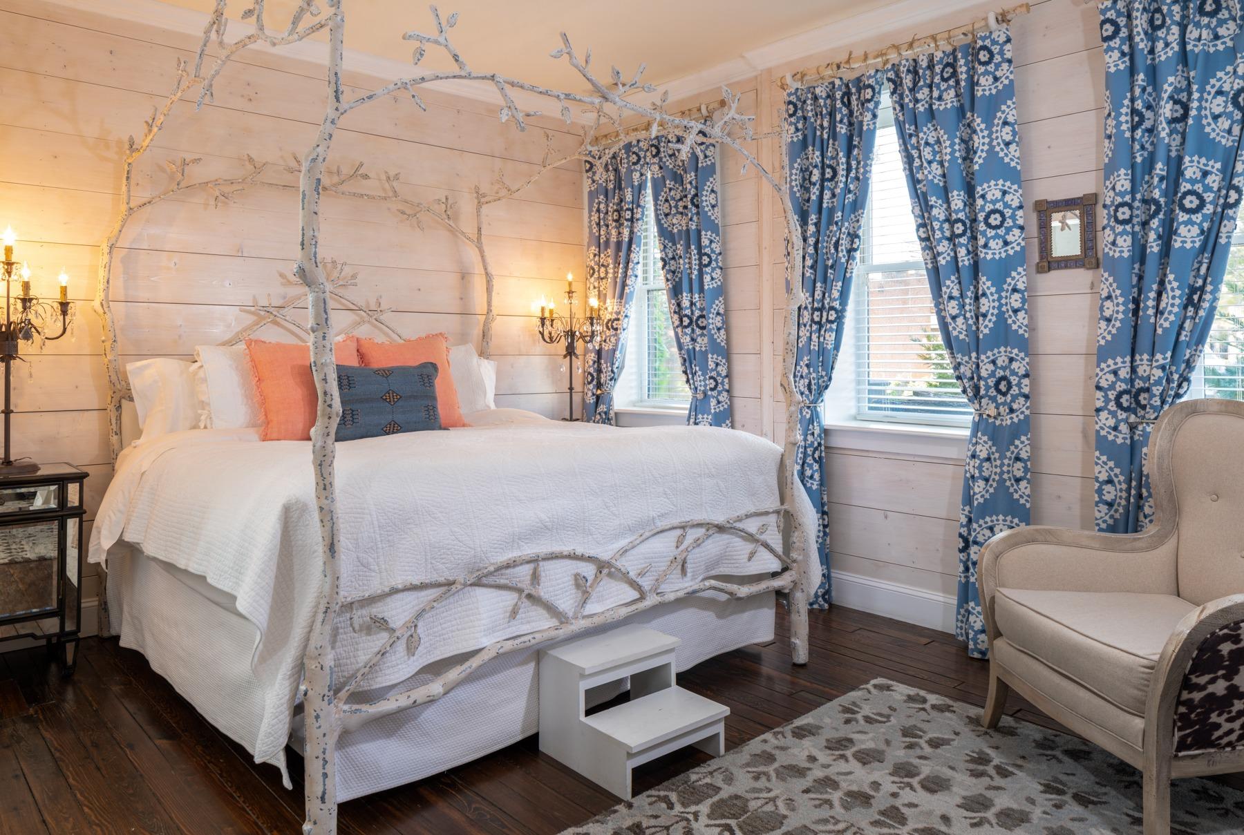 Guestrooms - Willow  (1).jpg