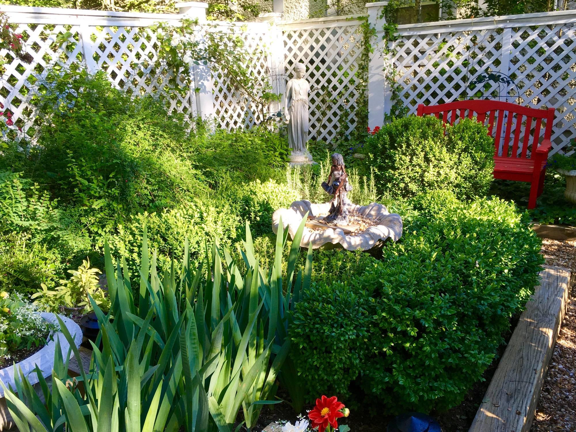 Abbington-Green-garden